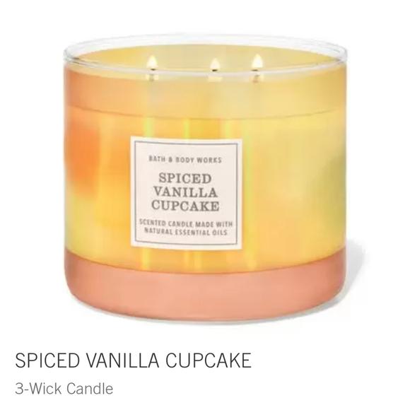 "🕯NWT‼️ BBW ""Spiced Vanilla Cupcake"" 3-wick Candle"